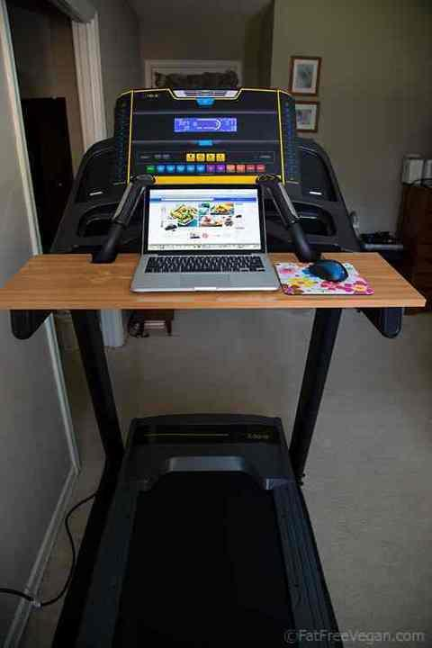 Treadmill_Desk_Laptop